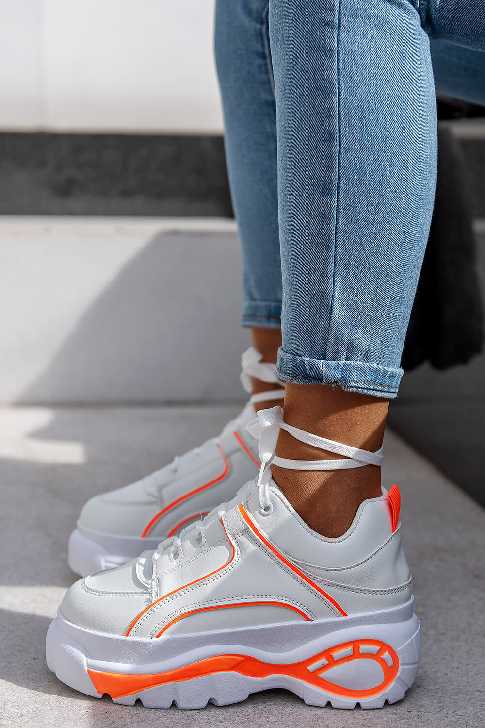 Sneakers Ultra Sole in Combination of
