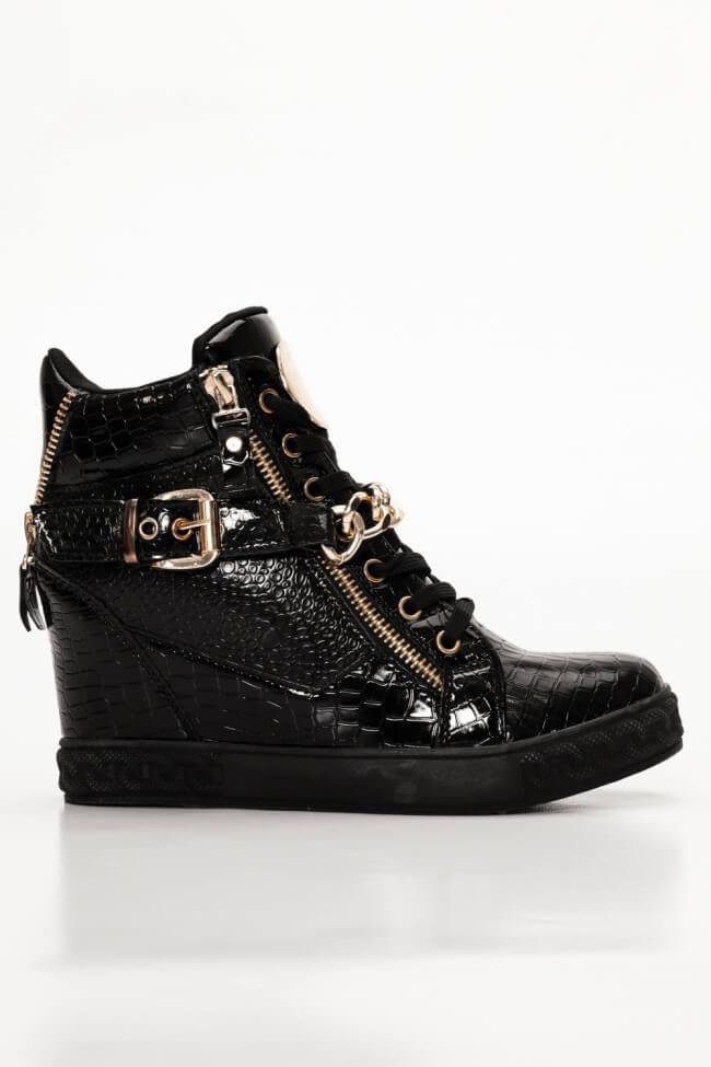 Sneakers με Εσωτερική Πλατφόρμα