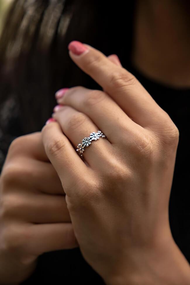 Δαχτυλίδι με Λουλούδια