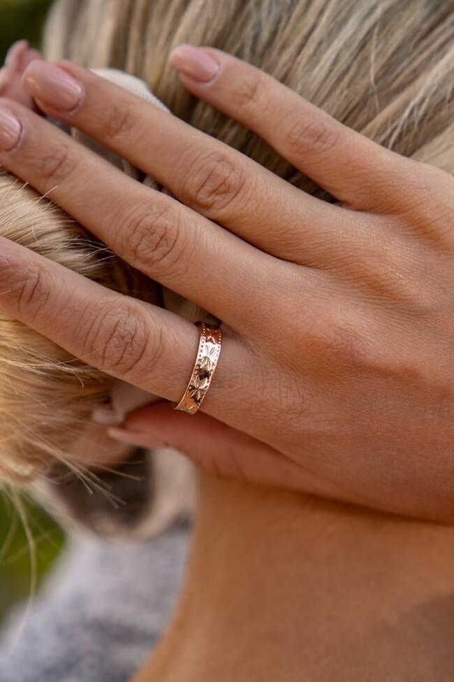 Δαχτυλίδι με Σχέδιο