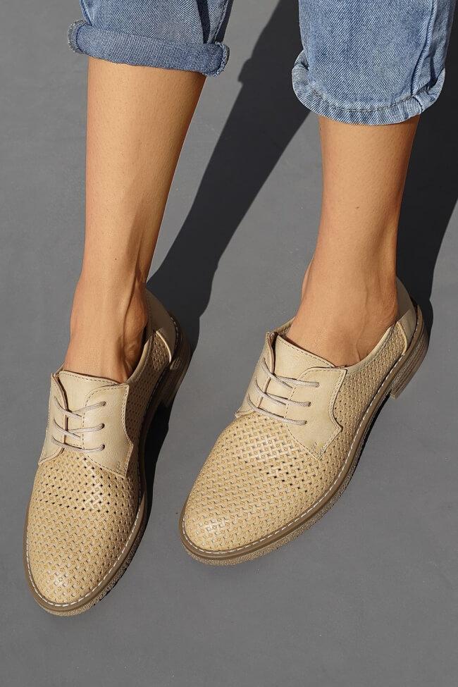 Δετά Παπούτσια Διάτρητα