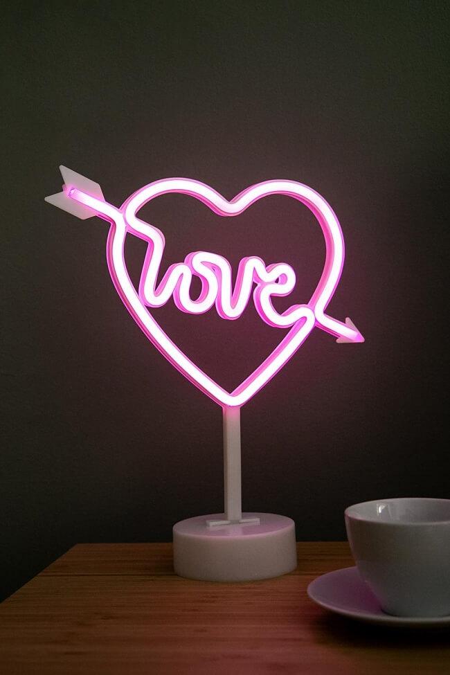 Διακοσμητικό Επιτραπέζιο Φωτιστικό LED Love με Καρδιά