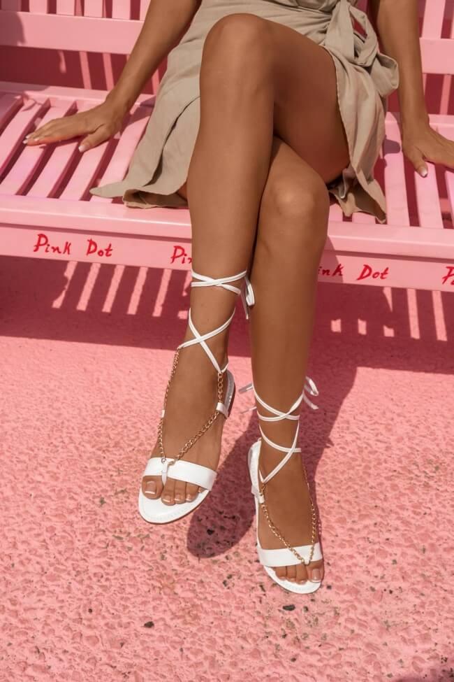 Flat Σανδάλια Lace Up με Αλυσίδα
