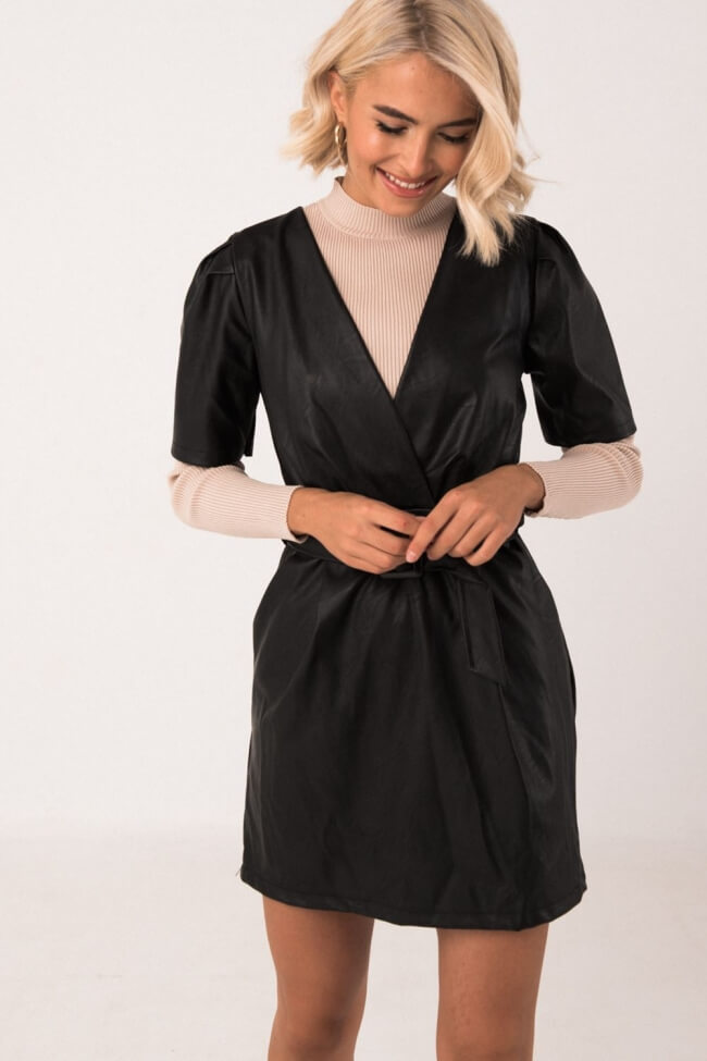 Φόρεμα Δερματίνη με ζώνη