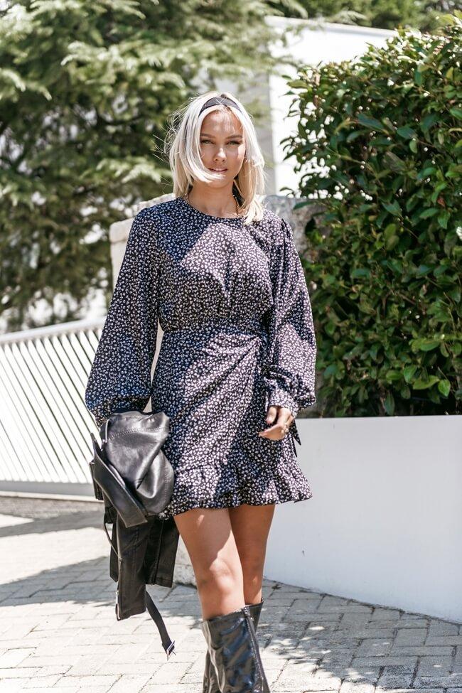 Φόρεμα Κοντό με Δέσιμο στο Πλάι