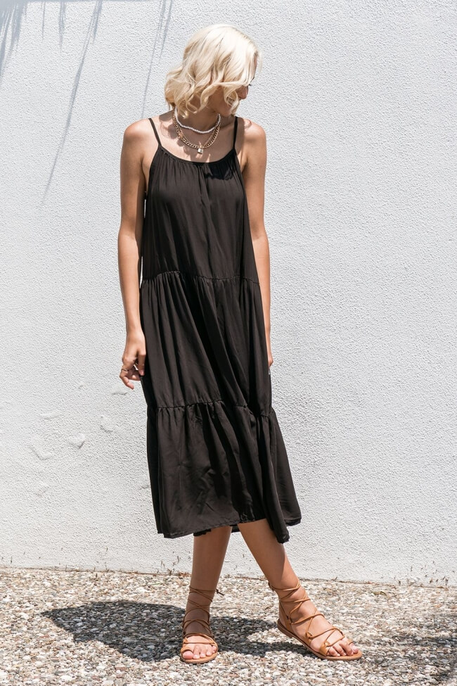 Φόρεμα Midi με Βολάν