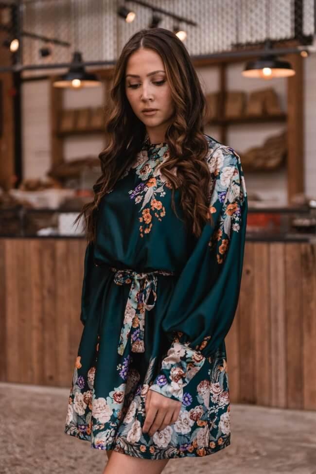 Φόρεμα Σατέν με Floral Λεπτομέρειες