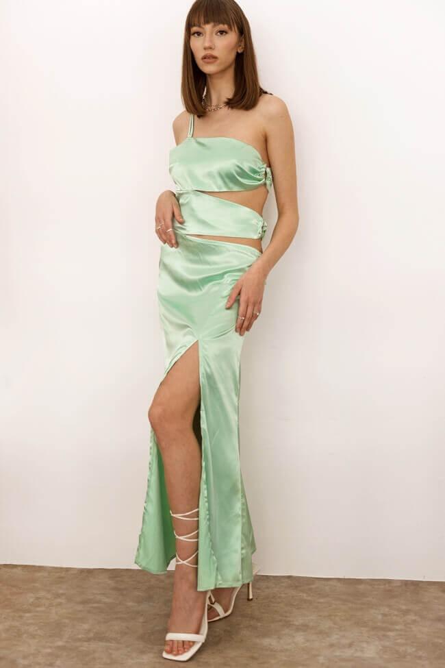 Φόρεμα Σατέν με Κρίκους και Σκίσιμο στο Πλάι