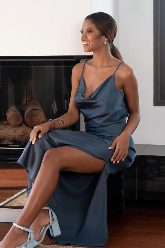 Φόρεμα Σατέν με Σκίσιμο