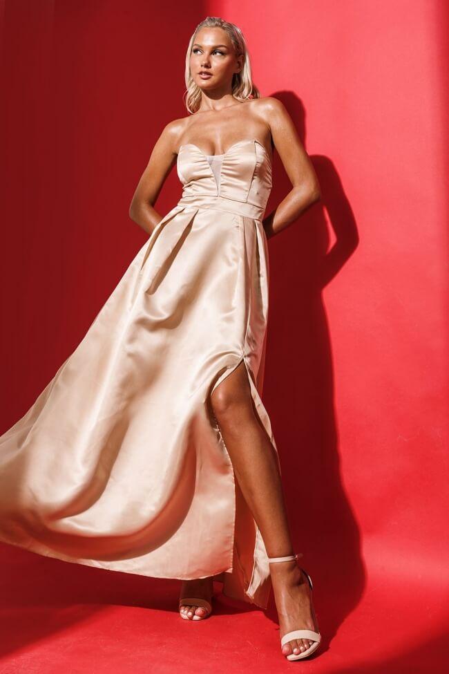 Φόρεμα Σατέν Strapless με Τιράντα Σιλικόνη
