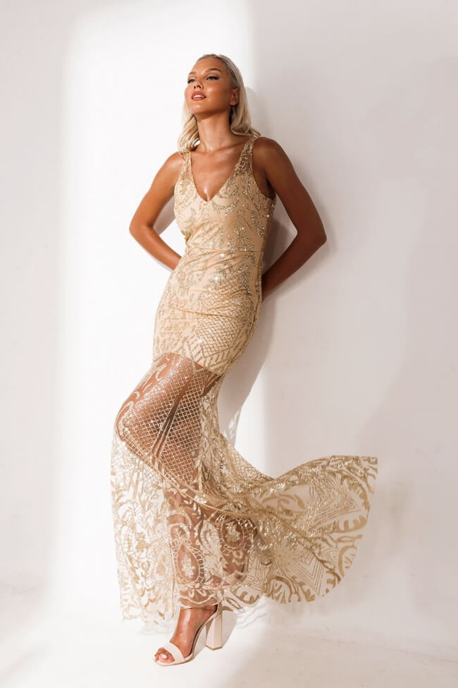 Φόρεμα Βραδινό Κοντό με Μακρυά Διαφάνεια