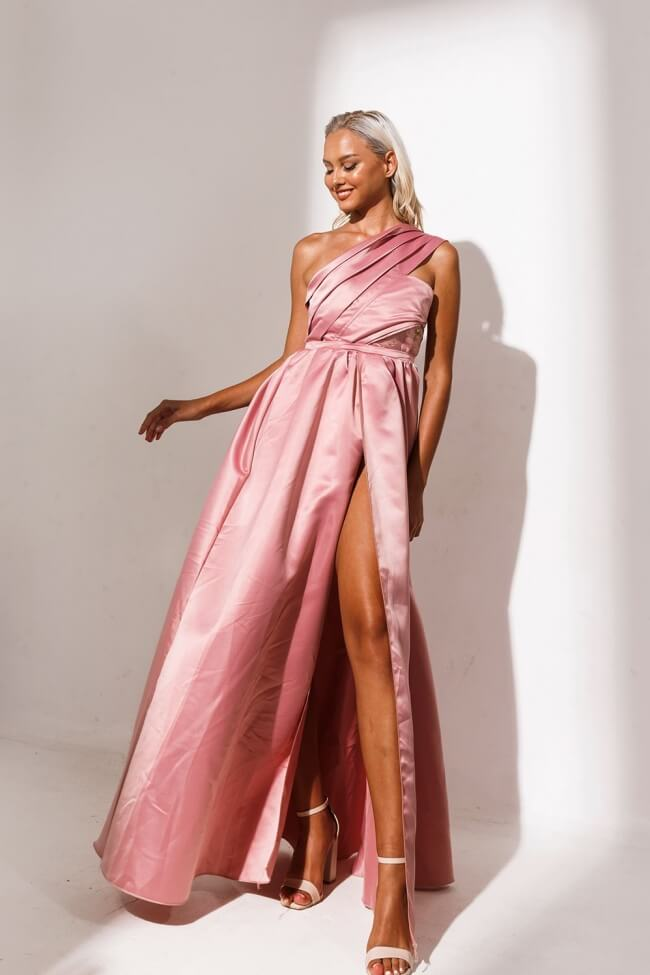 Φόρεμα Βραδινό Σατέν με Έναν Ώμο και Βαθύ Σκίσιμο