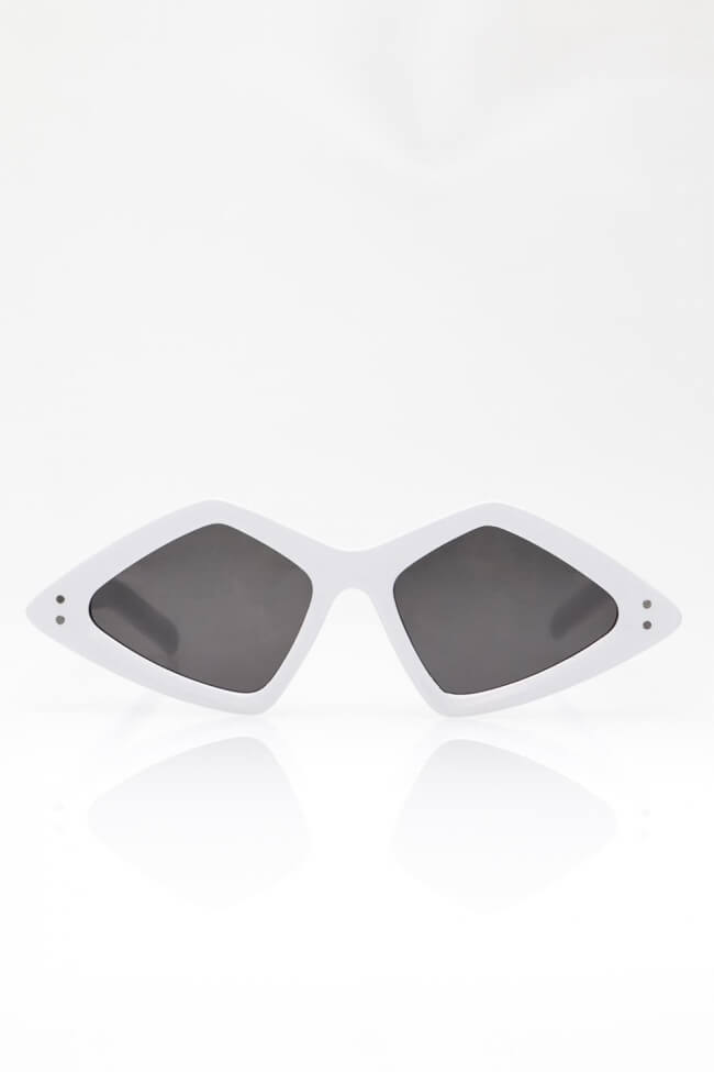 Γυαλιά Ηλίου με Γωνίες