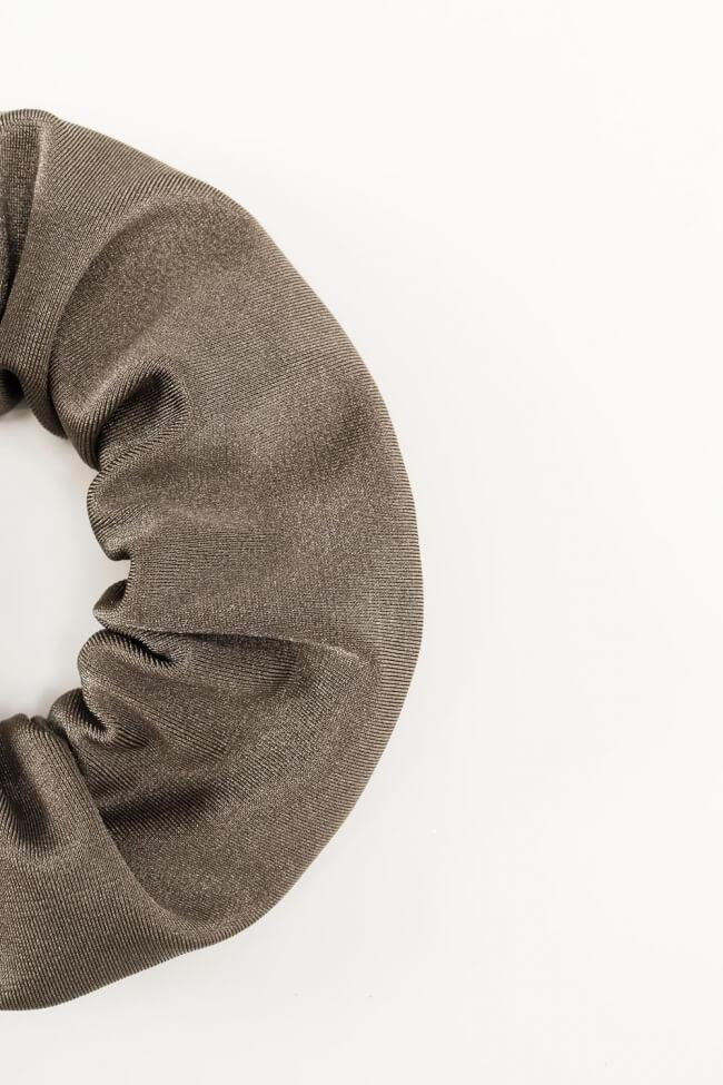 Γυαλιστερά Scrunchies