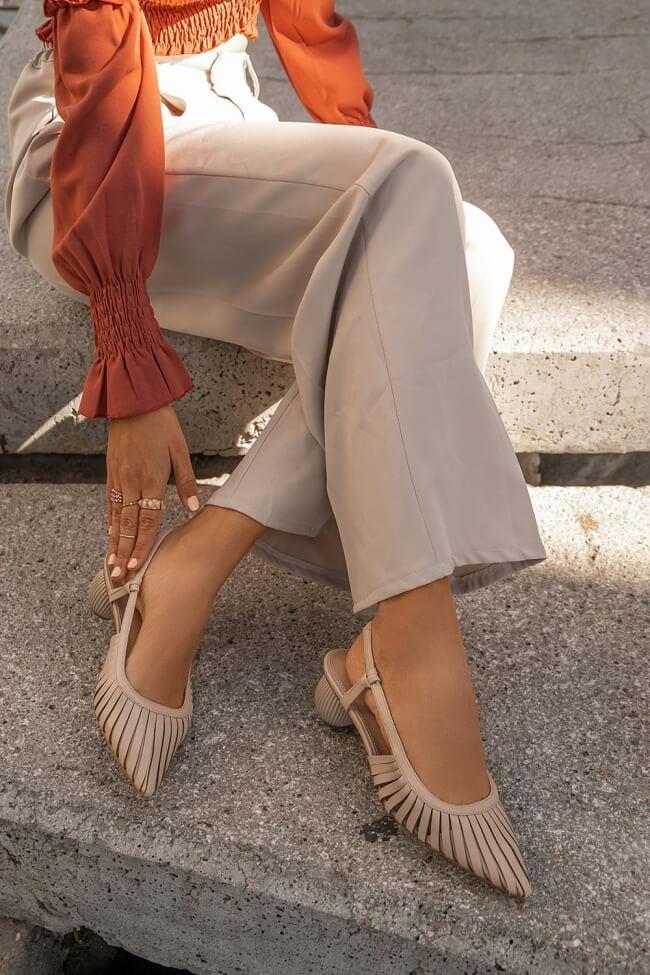Μπαλαρίνες Open Heel με Ιδιαίτερο Τακούνι