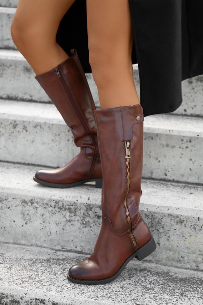 Μπότες Ιππασιάς με Διακοσμητικό Φερμουάρ .