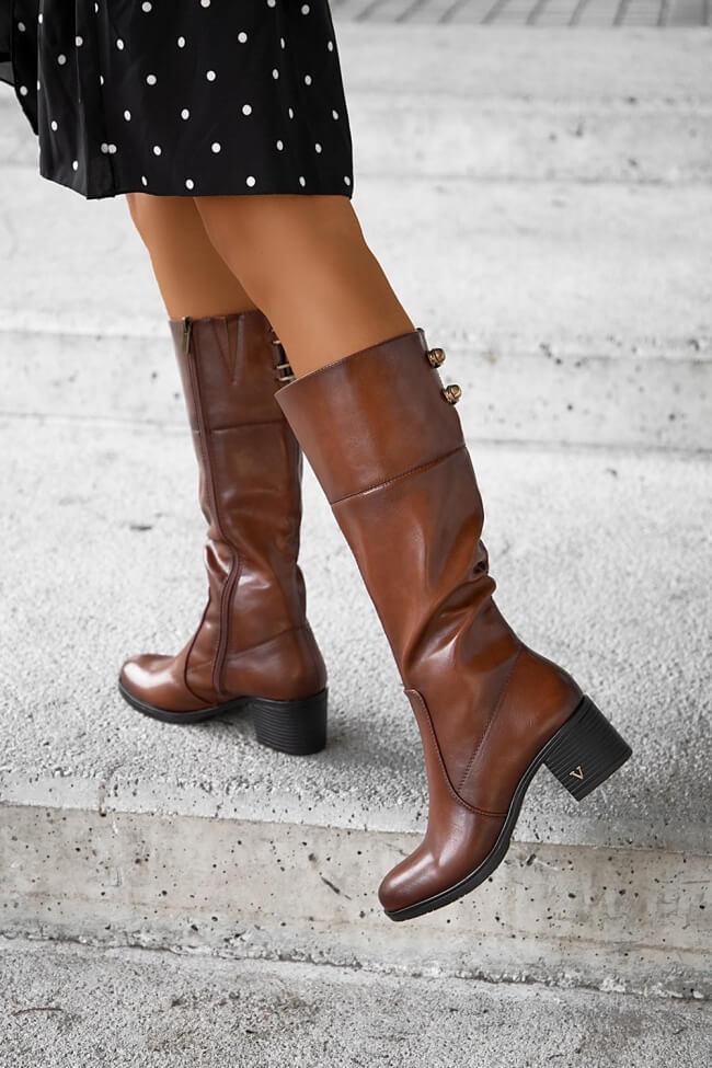 Μπότες με Διακοσμητικά Τρουκς