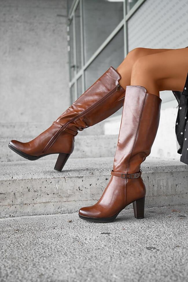 Μπότες με Διακοσμητικό Λουράκι