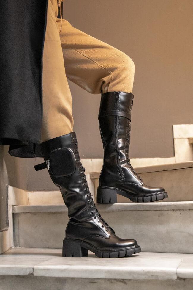 Μπότες με Κορδόνια & Αποσπώμενο Τσαντάκι