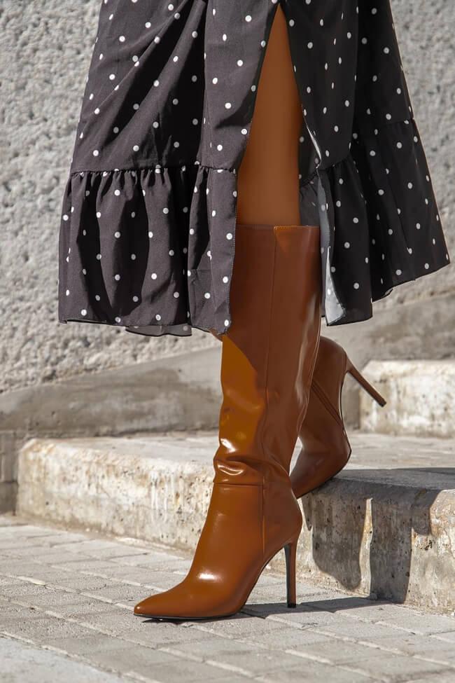 Μπότες Μυτερές με Λεπτό Τακούνι
