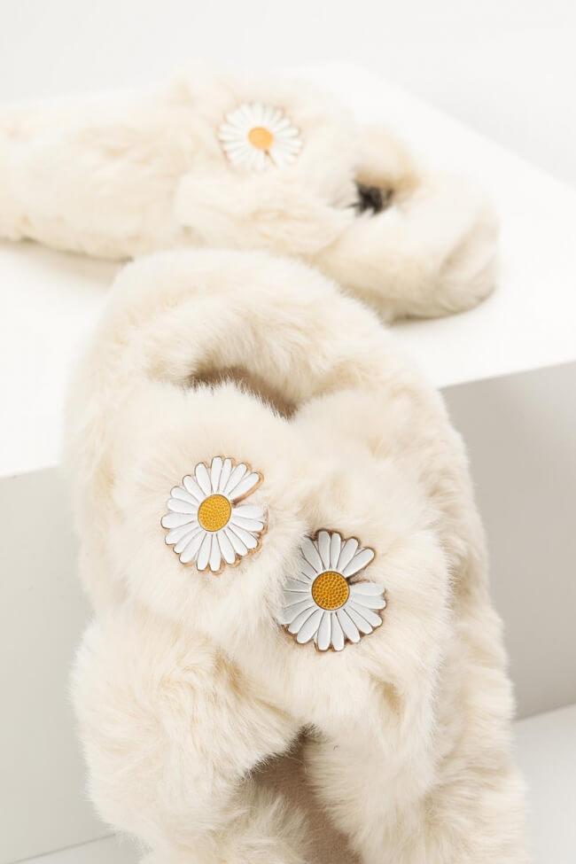 Παντόφλες Γούνινες Χιαστί με Λουλούδια