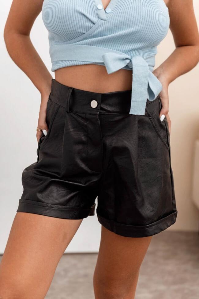 Shorts Δερματίνη με Ρεβέρ