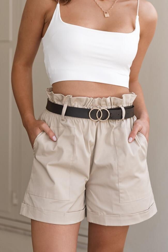 Shorts Υφασμάτινο με Λάστιχο και Ζώνη με Τόκα