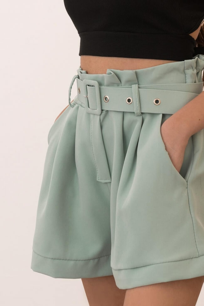 Shorts Υφασμάτινο με Πιέτες και Ζώνη