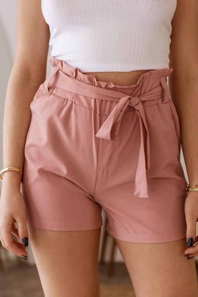 Shorts Υφασμάτινο με Ρεβέρ και Λάστιχο στη Μέση