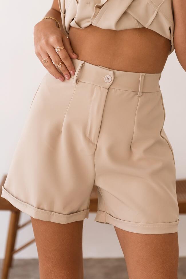 Shorts Υφασμάτινο Ψηλόμεσο με Ρεβέρ