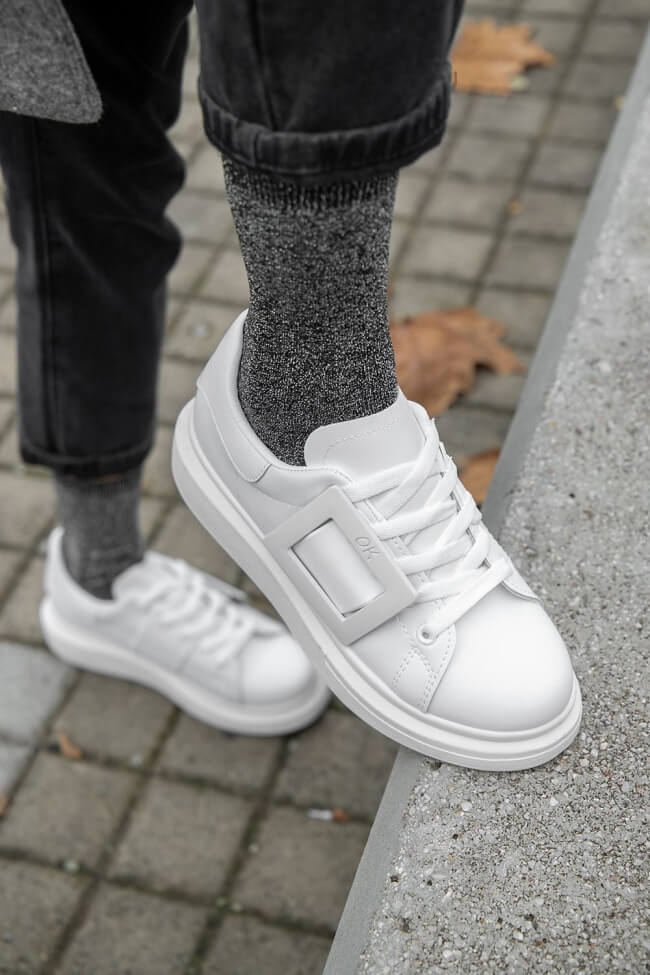 Sneakers Δίσολα με Διακοσμητική Τόκα