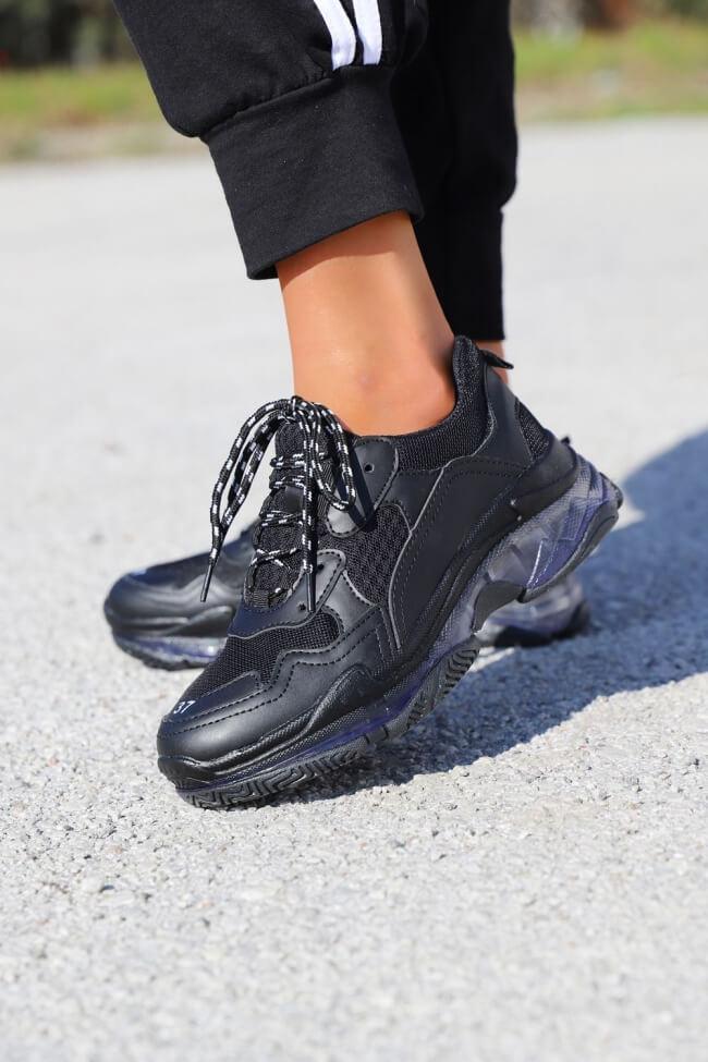 Sneakers με Διαφανή Σόλα