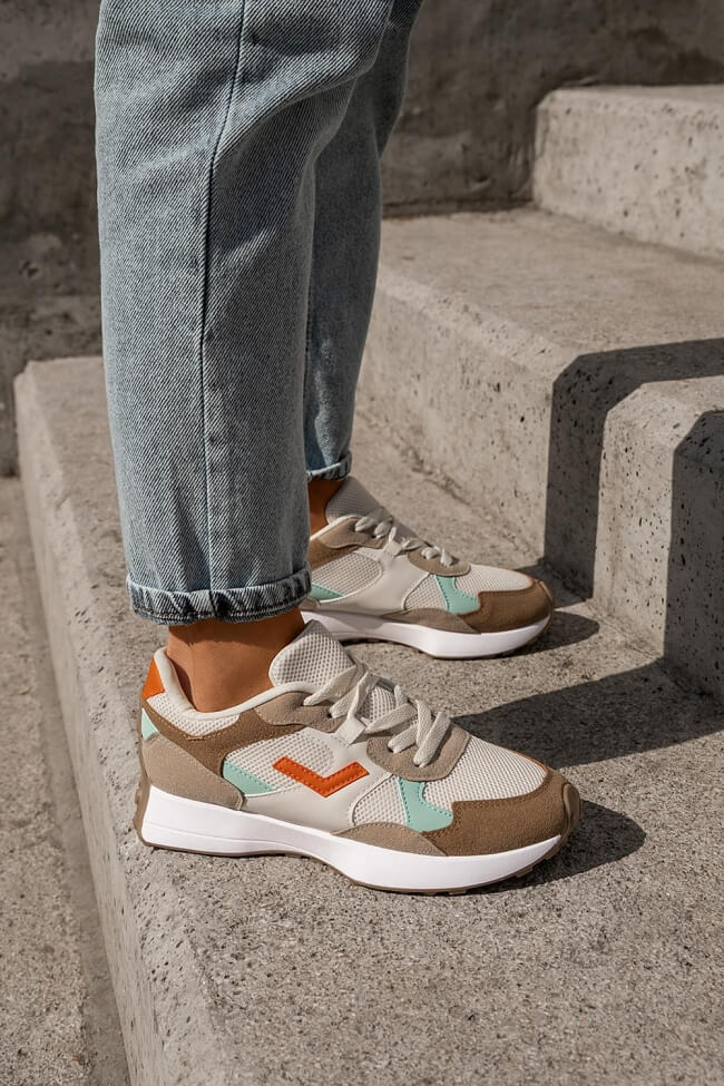 Sneakers με Δίχτυ σε Συνδυασμό Υλικών