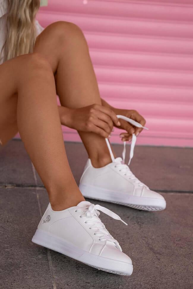 Sneakers με Κέντημα