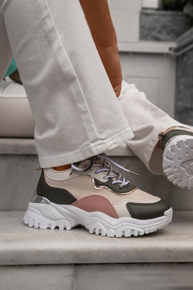 Sneakers με Μεταλλική Λεπτομέρεια