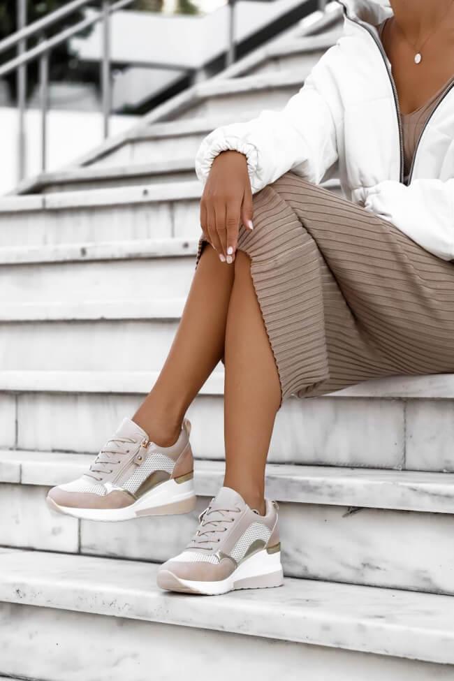Sneakers με Πλατφόρμα & Διακοσμητικό Φερμούαρ