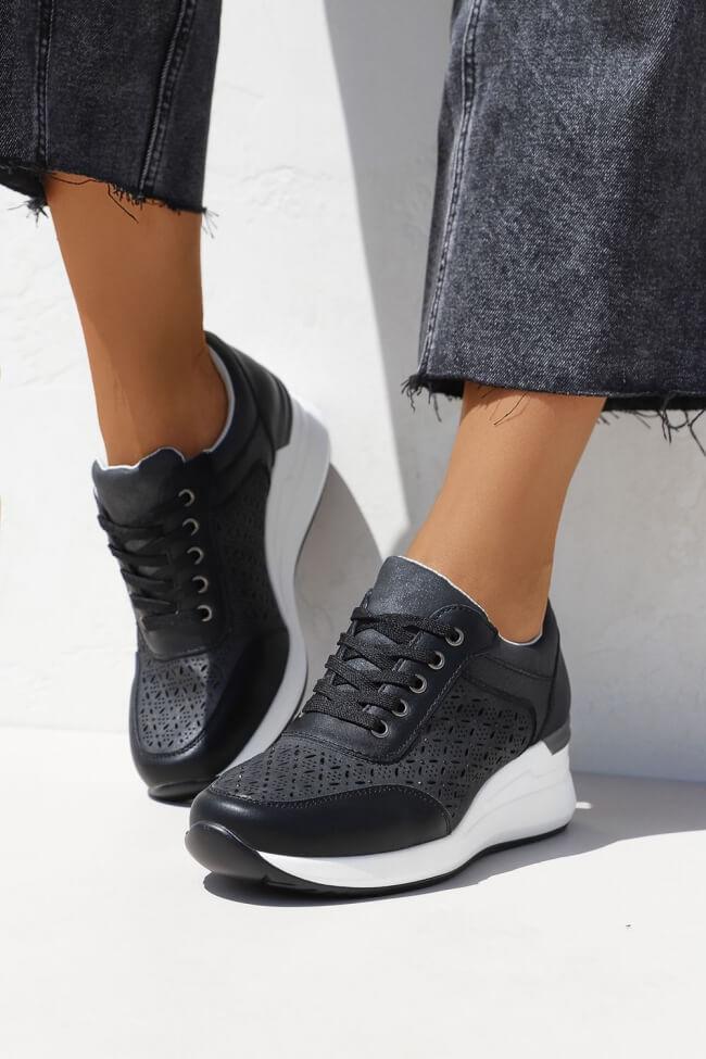 Sneakers με Πλατφόρμα & Διάτρητο Σχέδιο