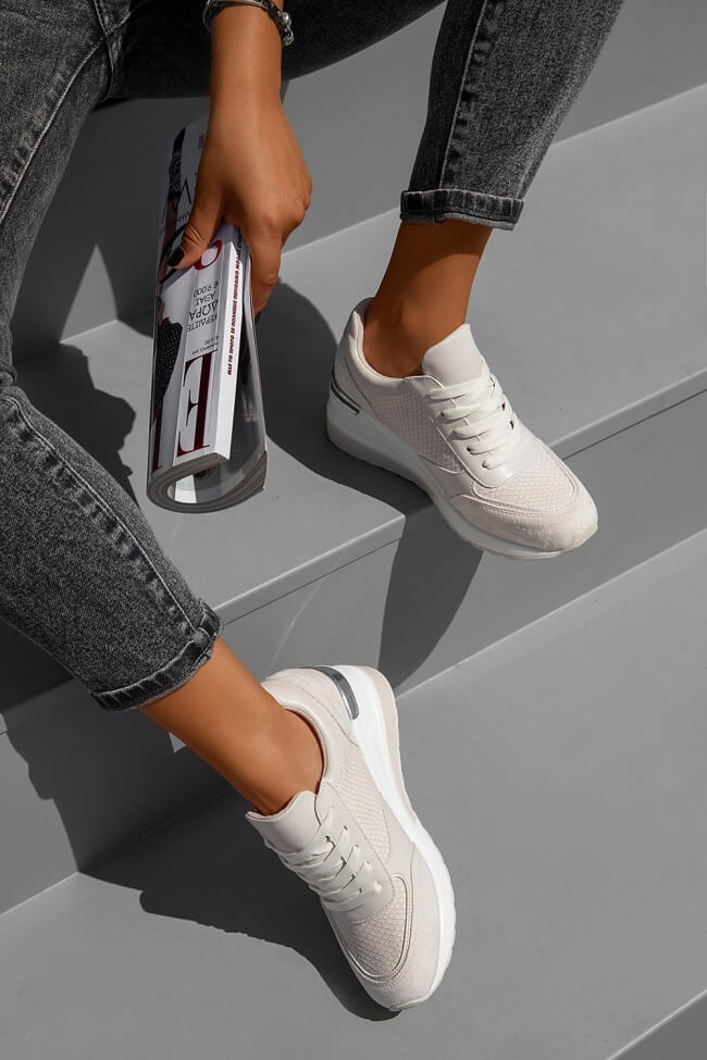 Sneakers με Πλατφόρμα σε Συνδιασμό Υλικών