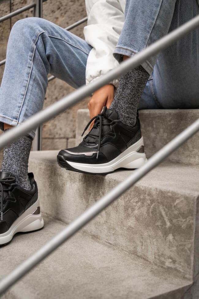Sneakers με Πλατφόρμα σε Συνδυασμό Χρωμάτων