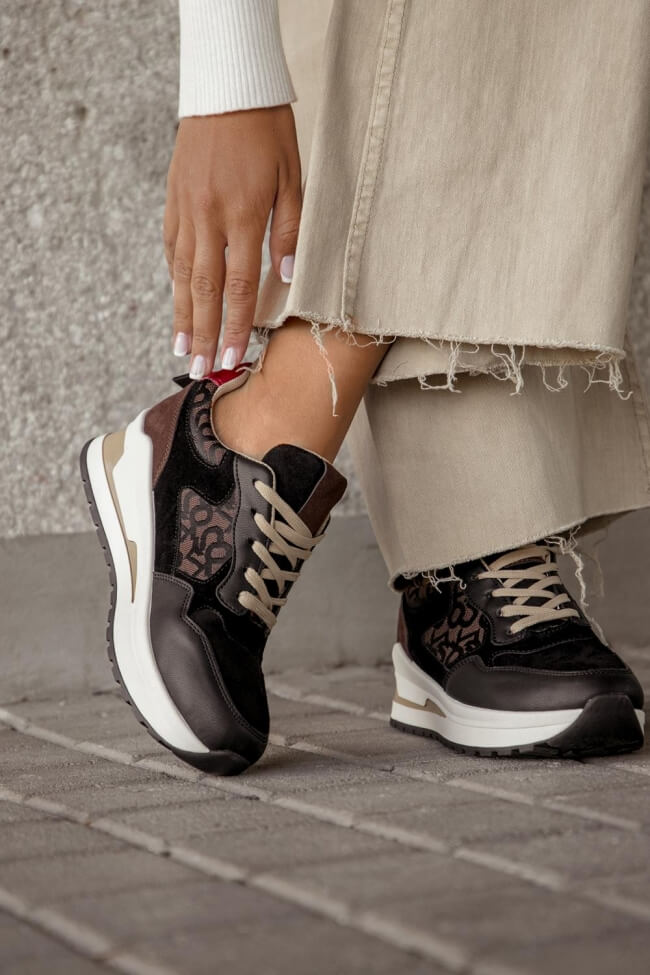 Sneakers με Πλατφόρμα σε Συνδυασμό Χρωμάτων & Υλικών