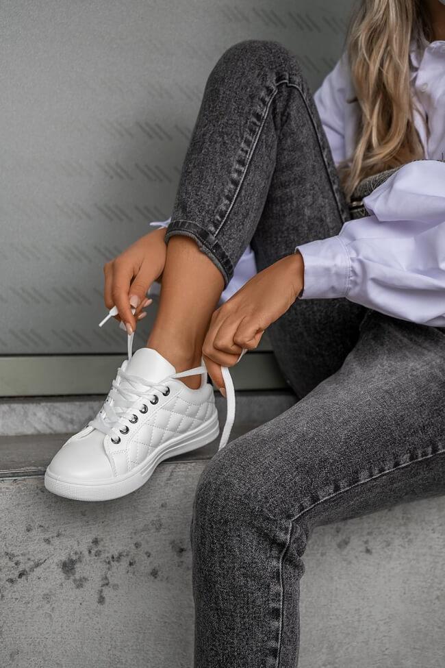 Sneakers με Σχέδιο Καπιτονέ