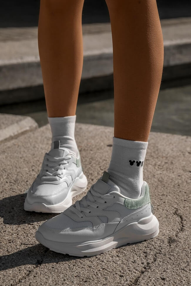 Sneakers σε Συνδυασμό Υλικών