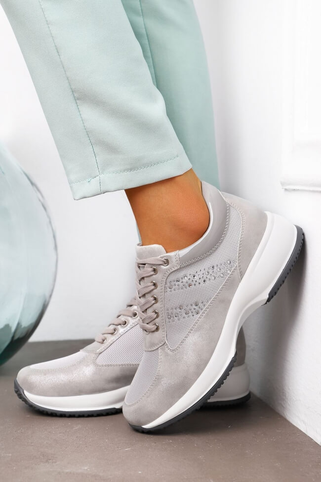 Sneakers σε Συνδυασμό Υλικών & Strass