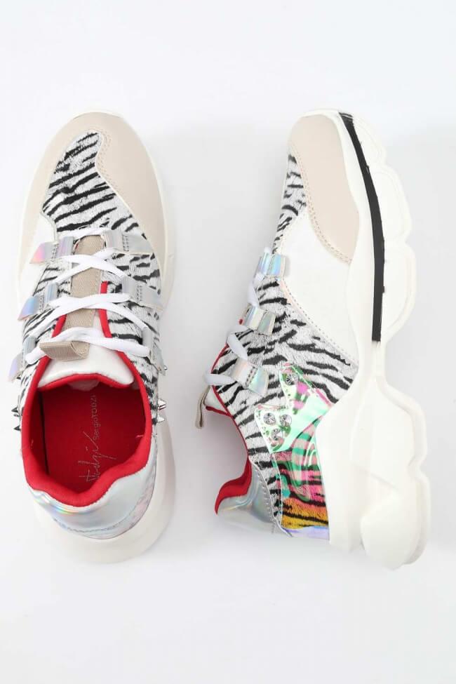 Sneakers σε Συνδυασμό Υλικών & Χρωμάτων με Τρούκς