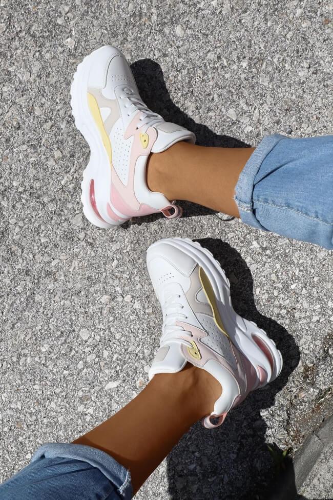 Sneakers σε Συνδυασμό Χρωμάτων με Αερόσολα