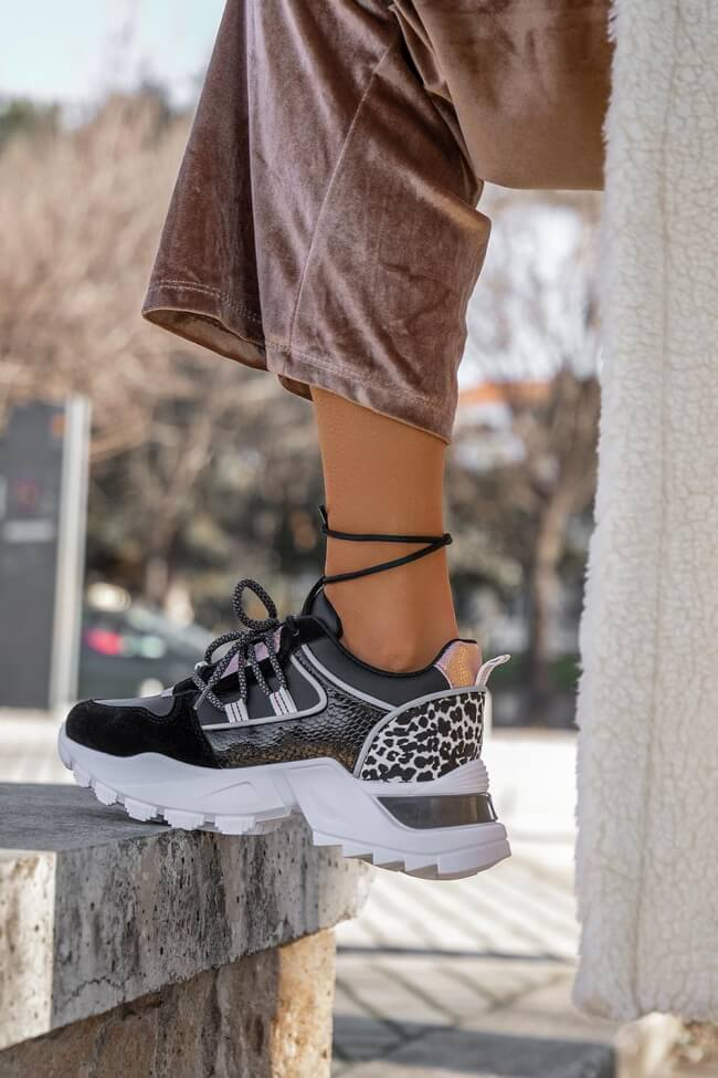 Sneakers σε Συνδυασμό Χρωμάτων & Υλικών