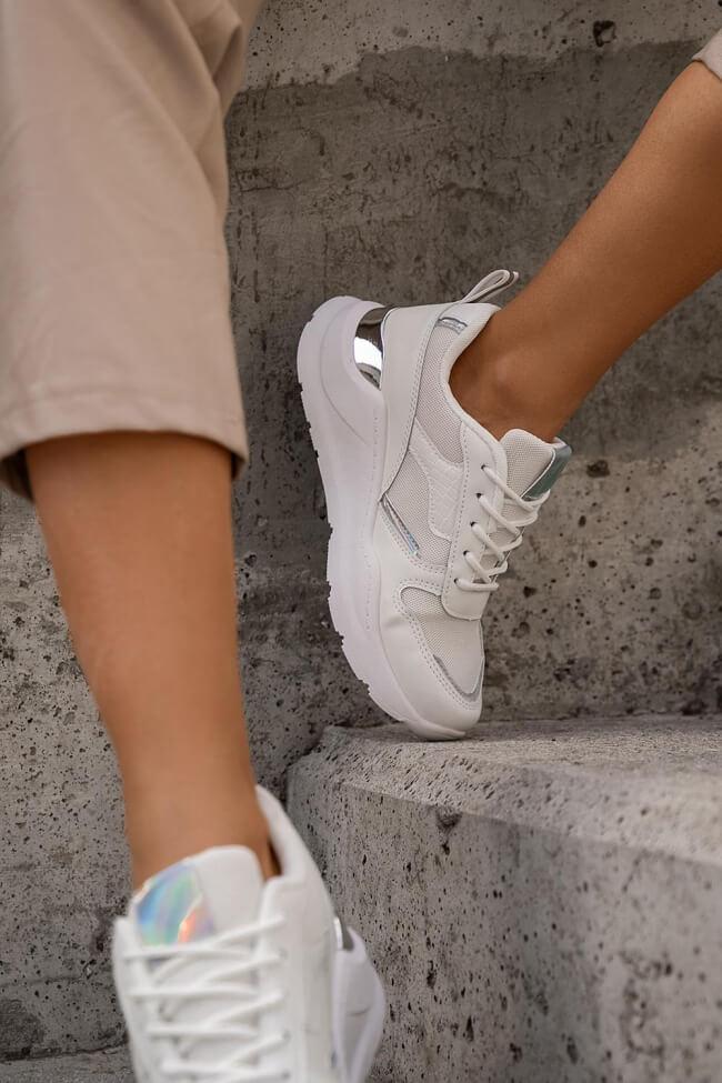 Sneakers Σε Συνδυασμό Χρωμάτων & Υλικών