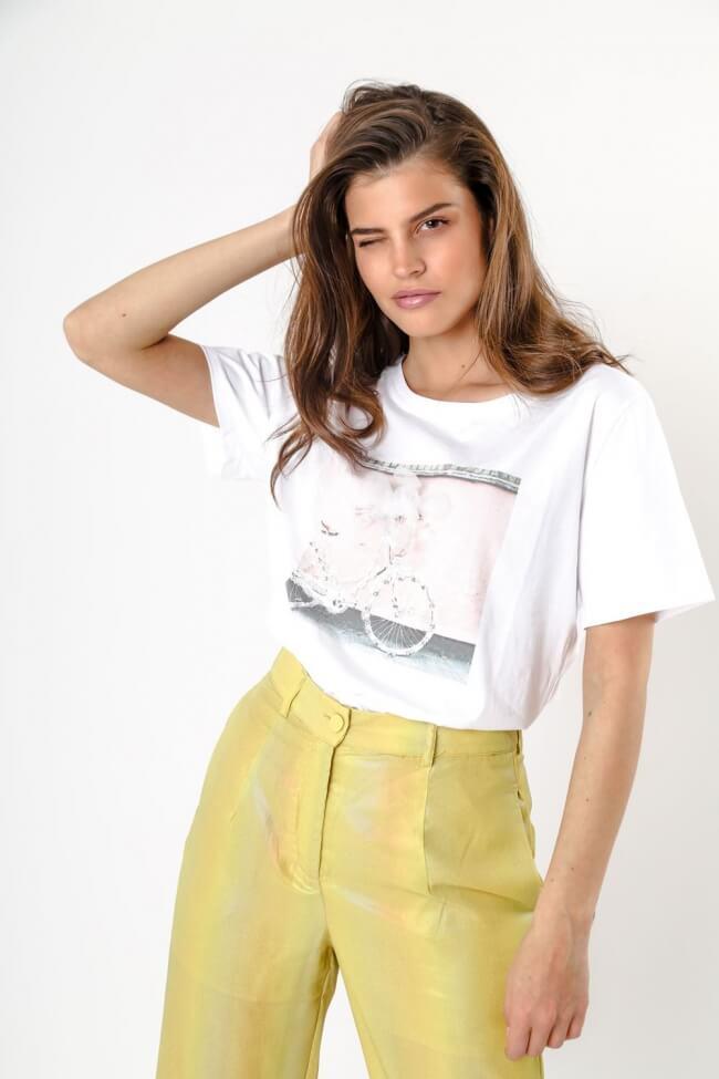 T-Shirt με Strass