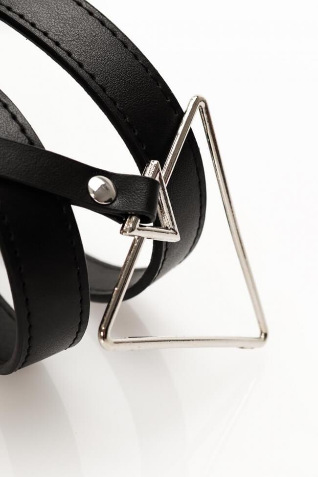 Ζώνη με Τρίγωνη Τόκα και Αποσπώμενο Διακοσμητικό Τρίγωνο